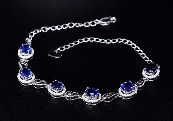 女士蓝宝石手链的挑选技巧,选择困难症的福音