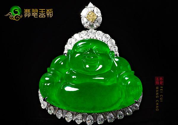 a货翡翠的绿色稍有不同价格就天差地别!