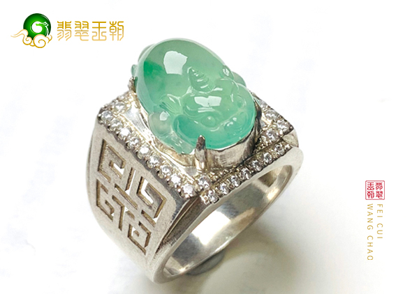 冰种晴水翡翠戒指镶嵌金蟾戒面佩戴可财源绵绵
