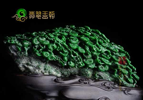 收藏细糯种翡翠摆件的原因和价值