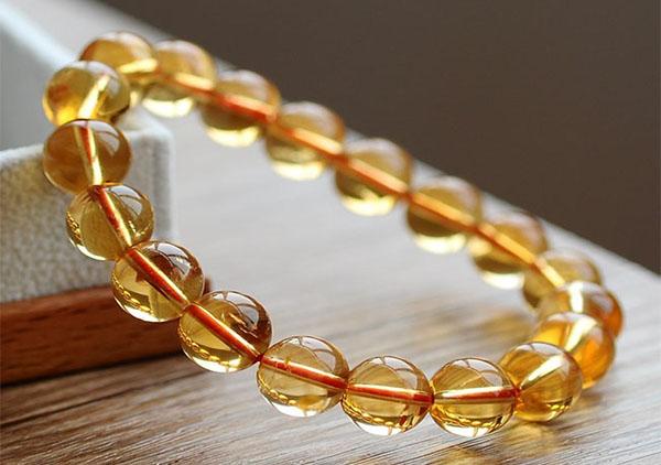 水晶星座运势,狮子座适宜佩戴的两种水晶手链珠串