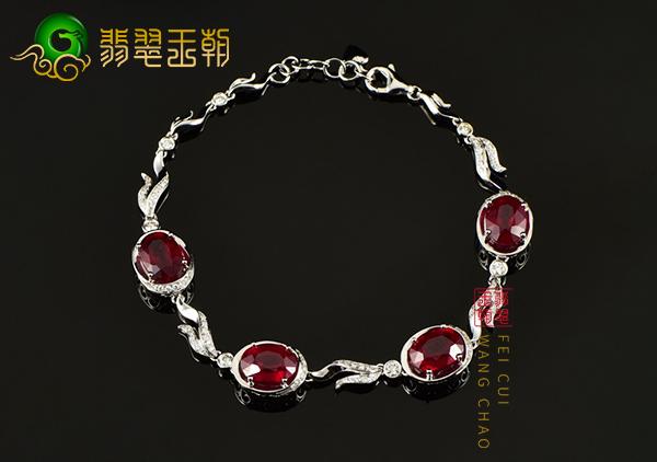 红宝石手链戒指项链佩戴过程的保养清洗禁忌