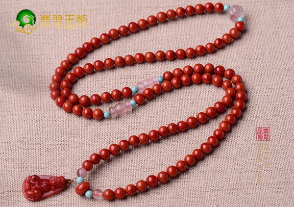 南红柿子红手串搭配这几种物品绝对惊艳好看