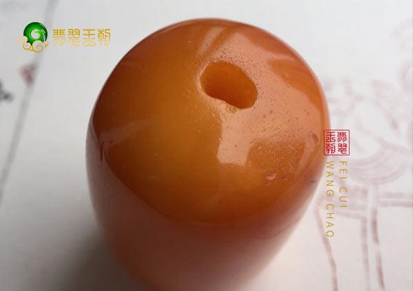 用烤色蜜蜡和老蜜蜡的两大区别鉴别蜜蜡