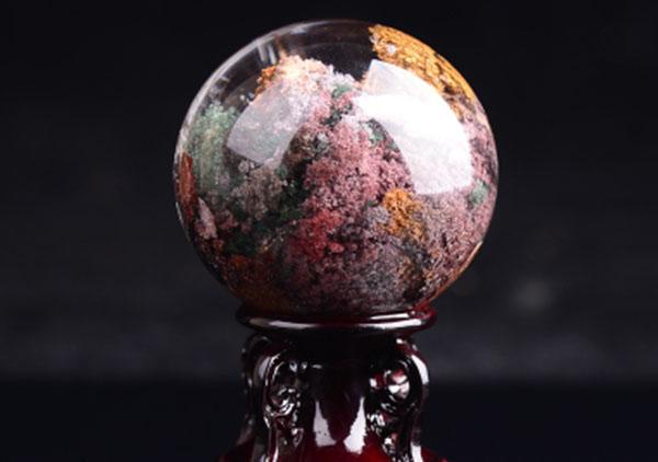 水晶球摆件真假鉴别要从这4方面出发,水晶球镇宅辟邪
