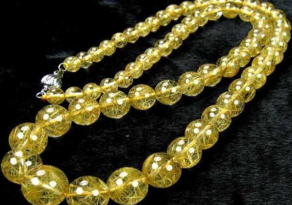 金发晶珠串珠子价格多少钱一克?发晶价格受哪些因素的影响