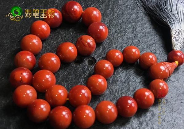 南红珠串原石选购中经常会出现的4方面误区