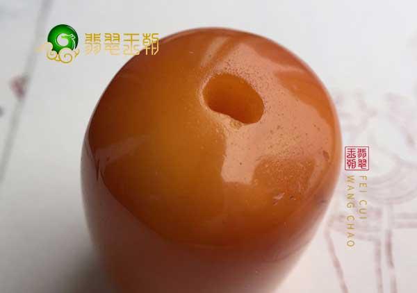 西藏老蜜蜡珠子的三大特征鉴定老蜜蜡真假