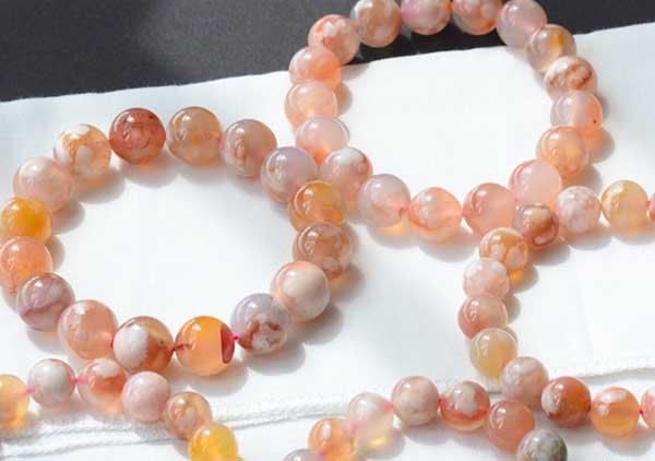 樱花玛瑙珠串吊坠4方选购注意事项,樱花玛瑙高颜值的存在