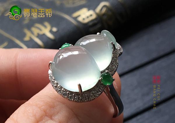 冰种晴水翡翠葫芦镶嵌戒指购买如何根据种质挑选