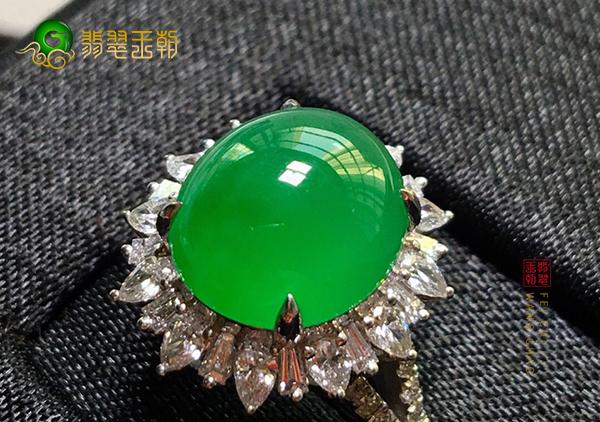 糯冰种翡翠戒指有哪些款式,不同翡翠戒指的特点