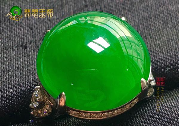 冰种阳绿翡翠镶嵌戒指购买佩戴时要注意些什么