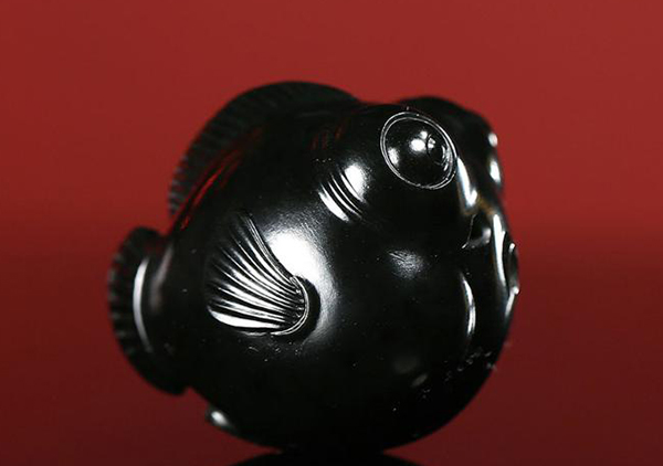 和田墨玉黑色系种类,和田墨玉器件仿制品种类真假鉴别
