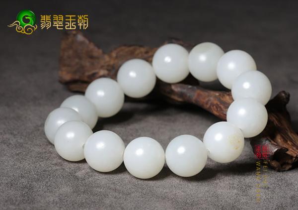 和田玉珠串中常见的6类玉石珠串以及挑选方法