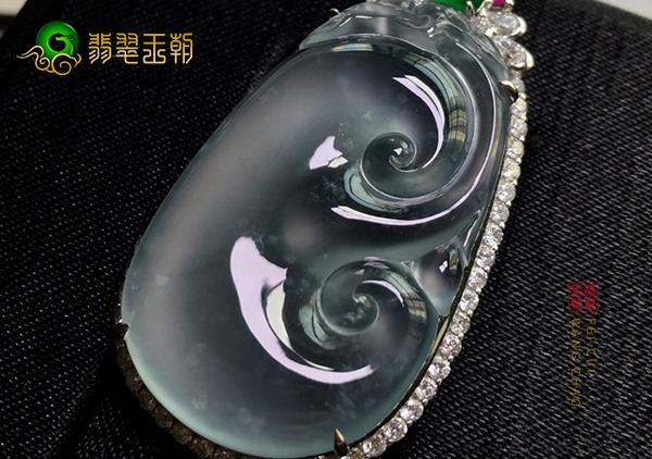 冰种无色翡翠镶嵌戒指或翡翠吊坠该如何保养