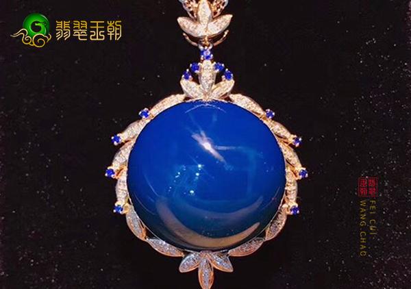 多米尼加蓝珀挂件因独特的美感成为收藏的新宠