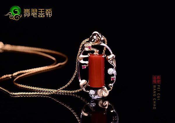 南红锦红镶嵌吊坠的价值不仅仅在于价格的暴涨