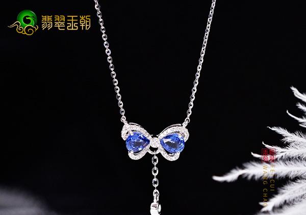 蓝宝石锁骨项链佩戴保养注意事项,要注意镶嵌金属