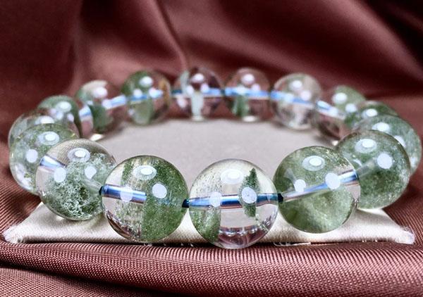 水晶珠链手串中风水运势比较好的6类水晶首饰