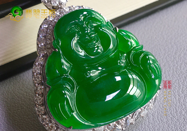 冰种浓绿翡翠玉佛挂件达到什么标准才值得收藏