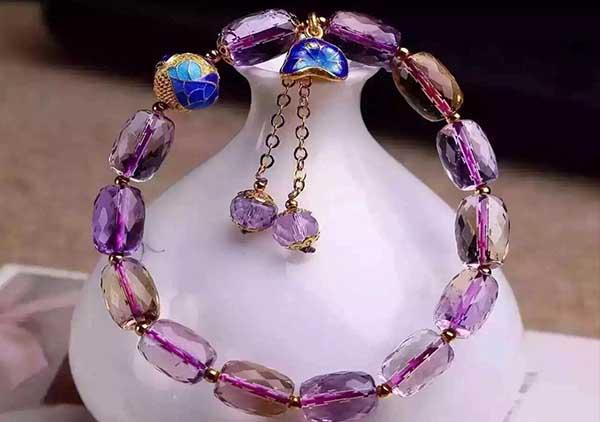 紫黄晶水晶珠串手链佩戴讲究以及男女佩戴搭配选择方法