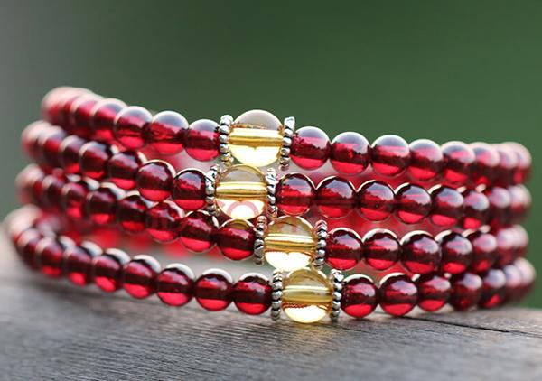 红石榴石珠串手链佩戴有什么功效?三方面作用为您讲解