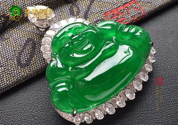 冰种阳绿翡翠玉佛挂件与佛教文化有哪些渊源