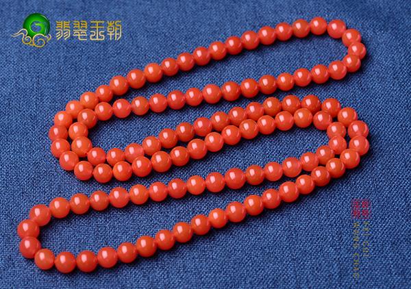 选购南红珠串手链必须要达到质感色彩具佳标准