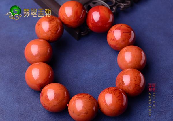 南红手镯珠串长时间佩戴颜色会发生变化吗?