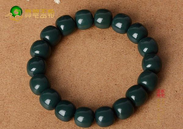 天然玛瑙手镯珠串与染色玛瑙珠串的区别以及鉴别