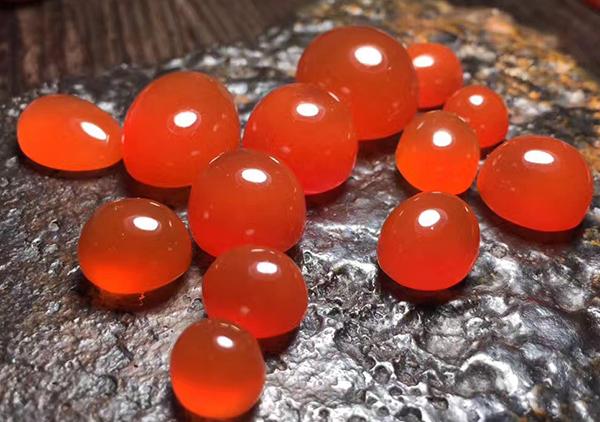 冰红南红是什么,冰红南红在各产地上的特征以及收藏价值