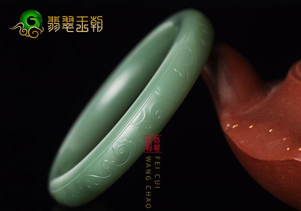 和田玉手镯珠串选购方法,从和田玉质地颜色方面看