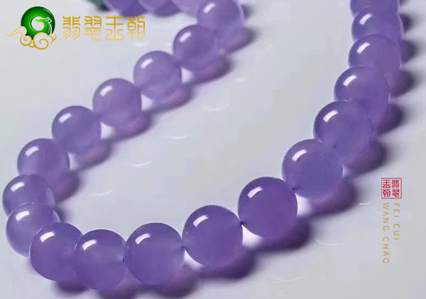 购买紫罗兰翡翠首饰时价值高低该如何判断呢?