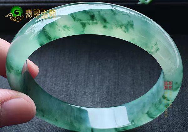 【翡翠手镯】冰种翡翠手镯不同颜色的价格如何