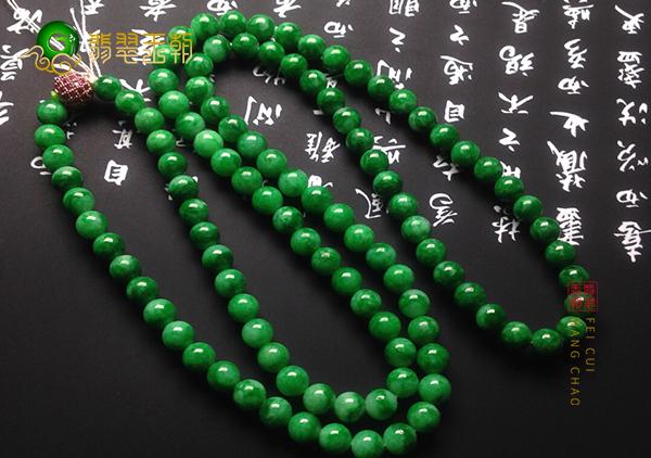 糯冰种浓绿翡翠珠串项链收藏价值那么高的原因
