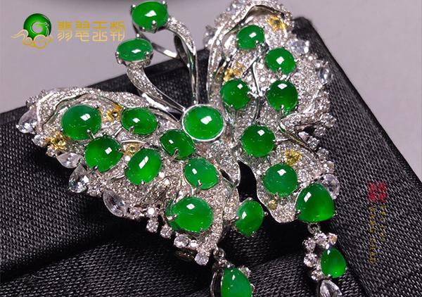 冰种阳绿镶钻翡翠蝴蝶胸针不同款式特点有哪些