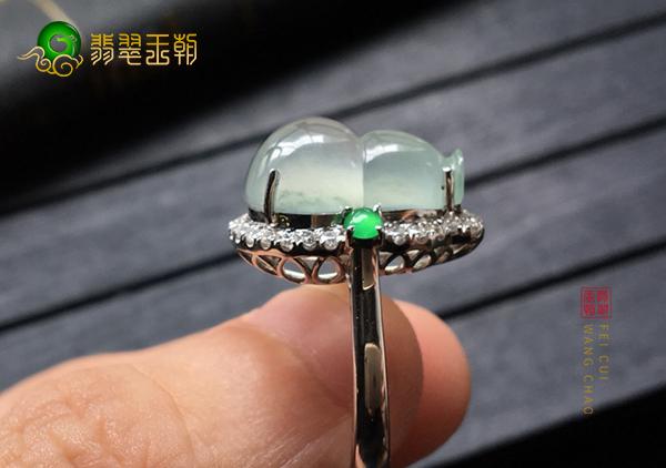 冰种晴水翡翠镶嵌戒指收藏更注重哪些方面