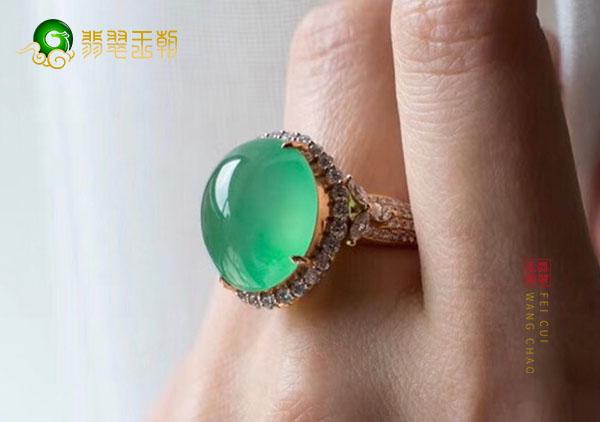 冰种晴水翡翠戒指用K金镶嵌是为了节约成本吗