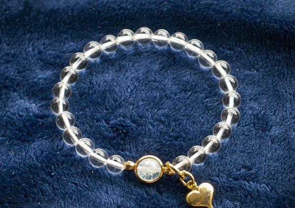 赠送水晶手链给女朋友或者女士长辈有哪些含义?