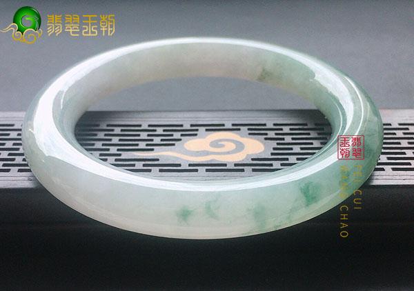 糯冰种翡翠首饰中代表团圆的5种饰品值得拥有!