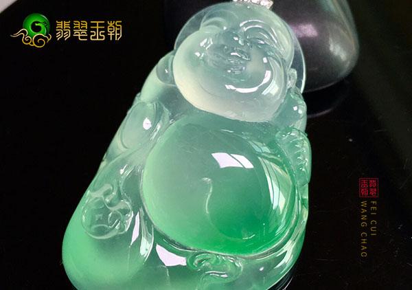 冰种晴水色翡翠玉佛挂件的价格大概是多少钱
