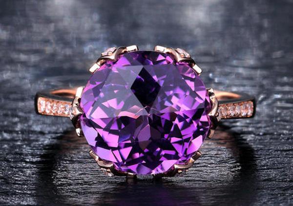 紫水晶戒指佩戴有哪些寓意以及功效作用?