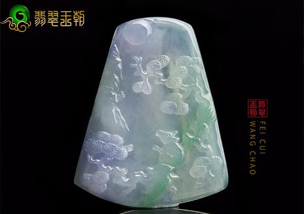 一件糯冰种翡翠吊坠质地细腻颜色浓郁价格多少钱