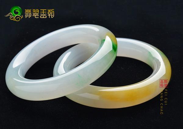 糯冰种黄加绿翡翠玉手镯四种叠搭法佩戴更时髦