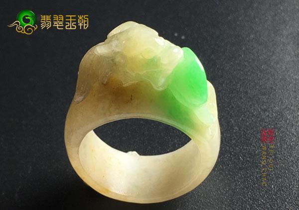 糯冰种黄加绿翡翠戒指为什么说没法帮忙估价