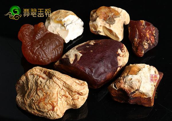 四大产区蜜蜡原石的异同及鉴别方法
