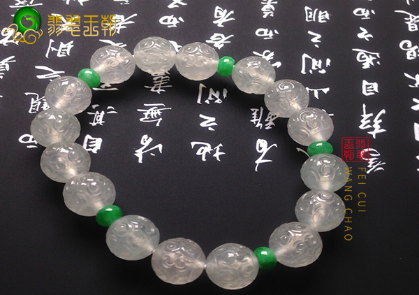 冰种翡翠珠串的珠子要怎么保养爱护呢?