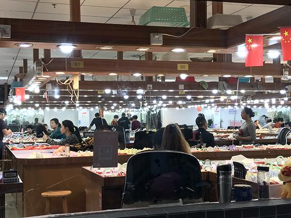 在广东要去哪里买翡翠才是源头市场呢?
