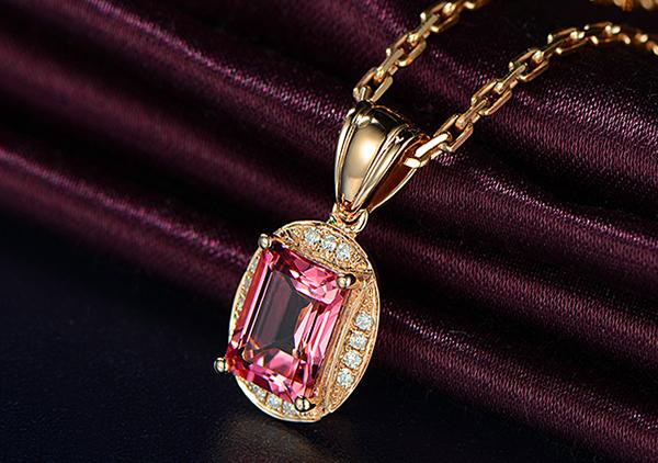 粉红宝石项链一克拉多少钱能够买到呢?