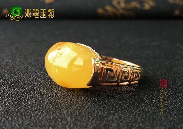 优质的蜜蜡戒指要挑选购买方法有哪些呢?